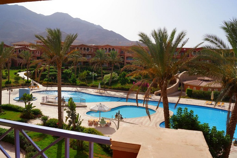 Chalet with pool view in Panorama Porto El Sukhna for sale